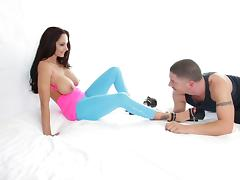 Ava Addams shows her fantastic big tits and jumps on a cock