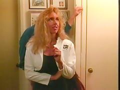 Linda Lovelace, Harry Reems, Dolly Sharp in classic porn scene