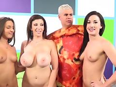 MILF Sara Jay rallies her slutty friends for a foursome