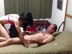 Amateur college girl crossdresser having sex
