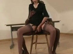 Mature british slut blindfold blowjob action