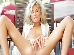 Incredible WOW blonde opening her cunt