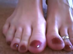 Great toe and foot show