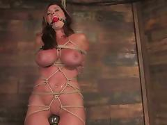 Christina Carter loves bondage primarily their way making together with a plaything in their way vag