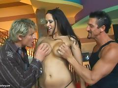 MMF scene of Carmella Bing getting sandwiched and facialed